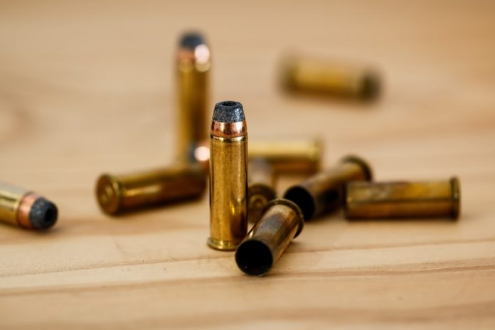 Un muerto y dos heridos durante tiroteo en Gaston