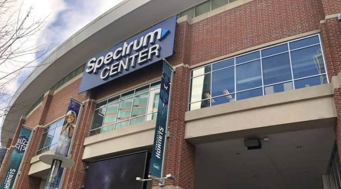 Hornets recibirán hasta 3.000 fanáticos por juego en el Spectrum Center