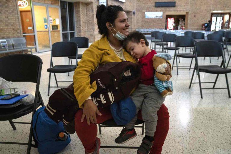 EE. UU obligó a padres deportados a dejar a hijos en el país
