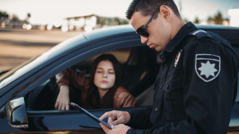 Licencia de conducir a indocumentados en 17 estados de EE.UU