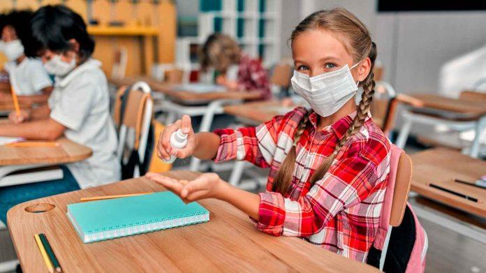 ¿Estarán seguros los estudiantes sin mascarillas en las escuelas