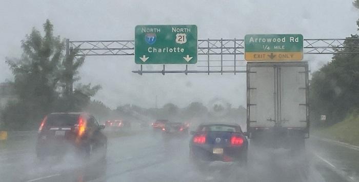 Elsa trae fuertes lluvias a las Carolinas