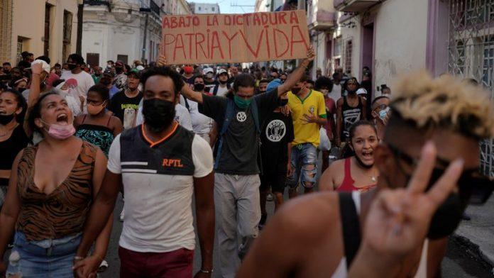 En Cuba manifestantes gritan ya no tenemos miedo