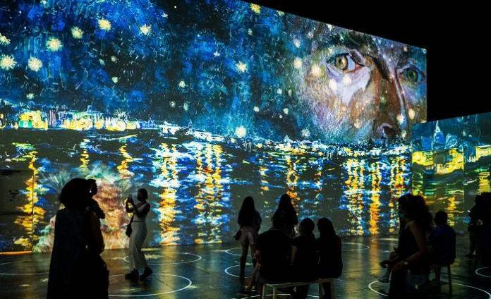 """Immersive Van Gogh"" cautiva a Charlotte"