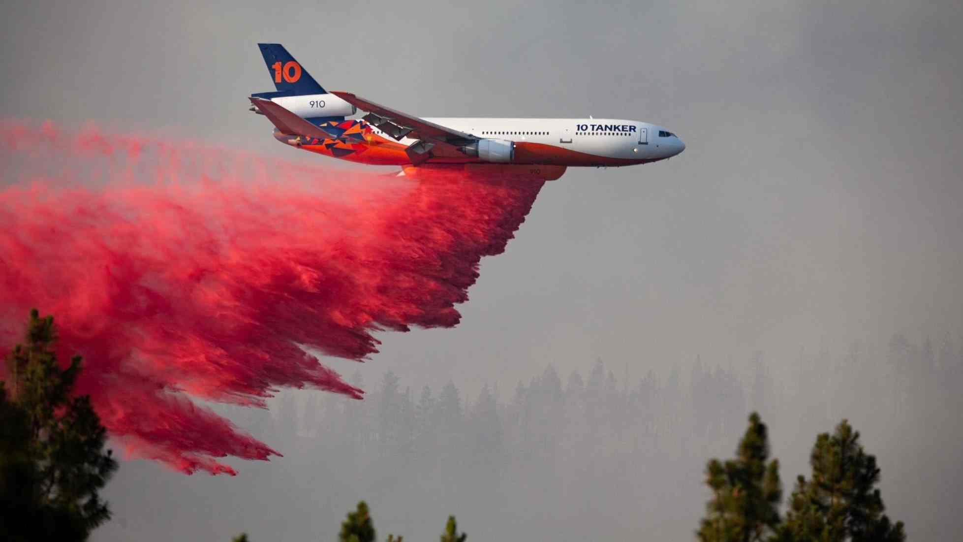 Incendio Bootleg arrasa área de 569 millas cuadradas