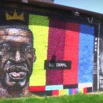 Mural de George Floyd fue destruido.