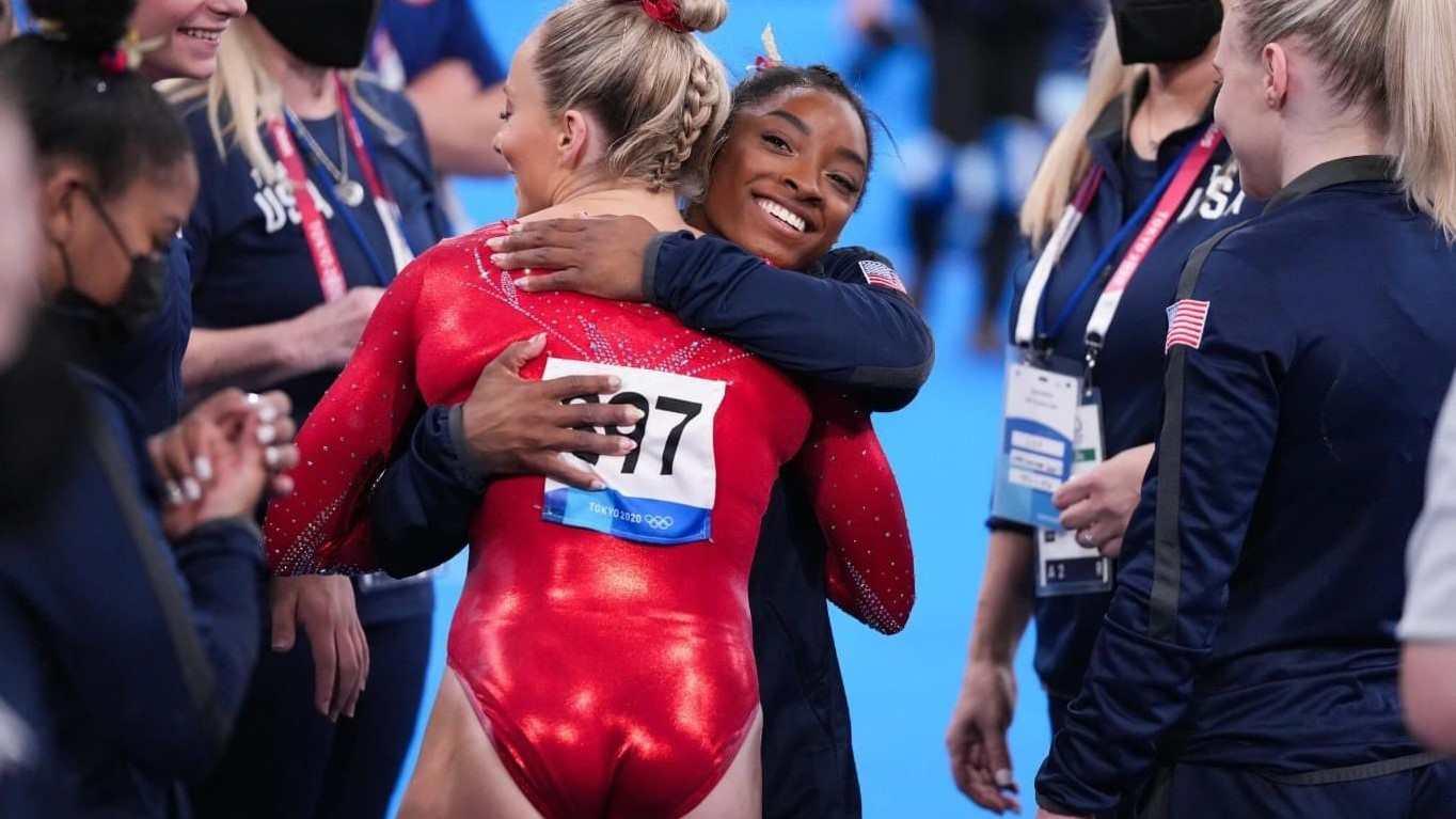 Simone Biles abandona la final por razones de salud