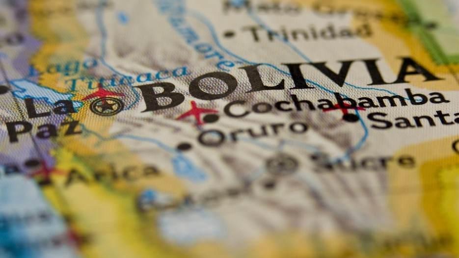 Bolivia celebra 196 años de Independencia con nevada en Potosí
