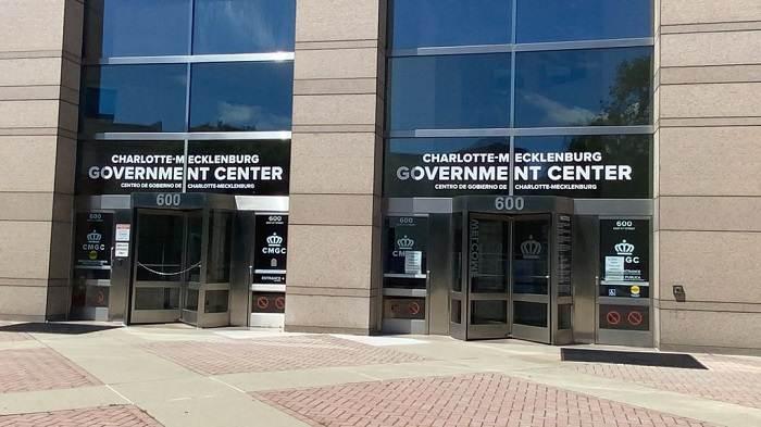 Cerradas al público oficinas de gobierno del Charlotte-Mecklenburg