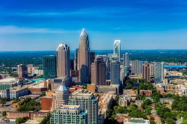 En Charlotte buscan residentes que asesoren a la Ciudad