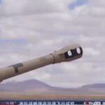 China muestra su músculo militar, mientras EE. UU., se retira de Afganistán