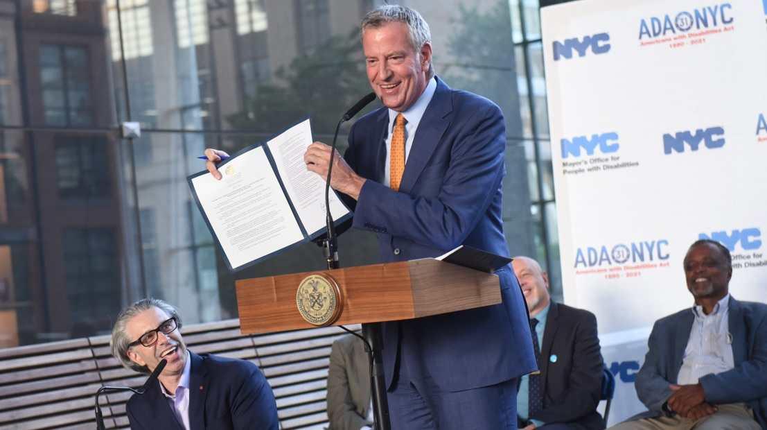 De Blasio anuncia que NY exigirá comprobante de vacunación