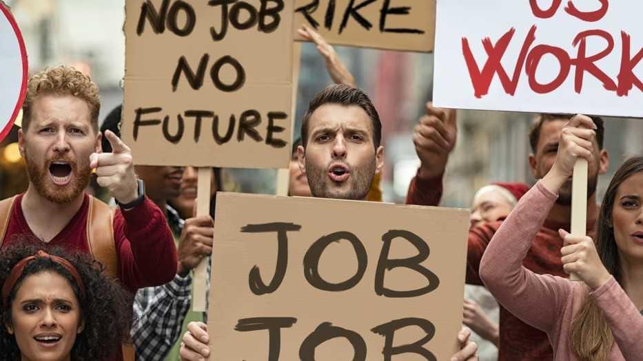 Desempleo en EE. UU., baja al 5,4% en julio