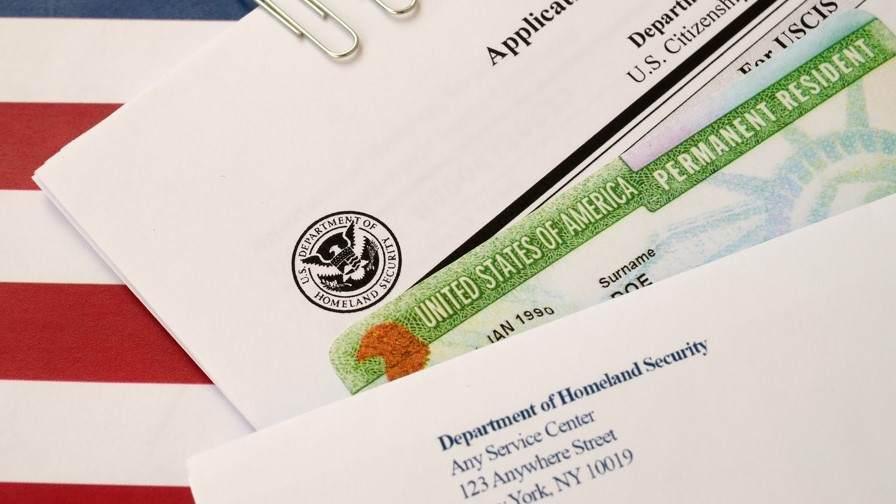 EE. UU., exigirá vacuna a solicitantes de residencia permanente