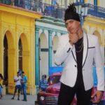 Eddy Kbrera contagia a todos con su ritmo africano-caribeño