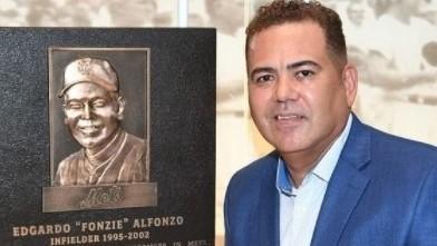 Edgardo Alfonzo homenajeado con el Salón de la Fama de los MetsEdgardo Alfonzo homenajeado con el Salón de la Fama de los Mets