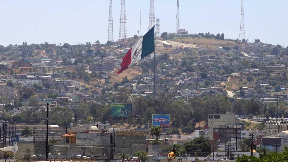 Juez del Tribunal Supremo de EE. UU., suspendió el Quédate en México
