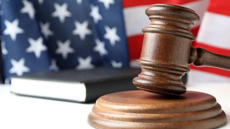"""La Corte Suprema de EE. UU., reestablece el """"Quédate en México"""""""