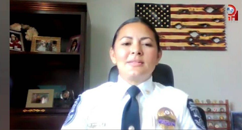 Mujer hispana logra histórico cargo en la policía de Gastonia