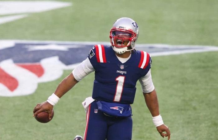 New England Patriots cortan a Cam Newton