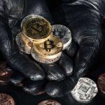 Robó $600 millones en criptomonedas y los regresó