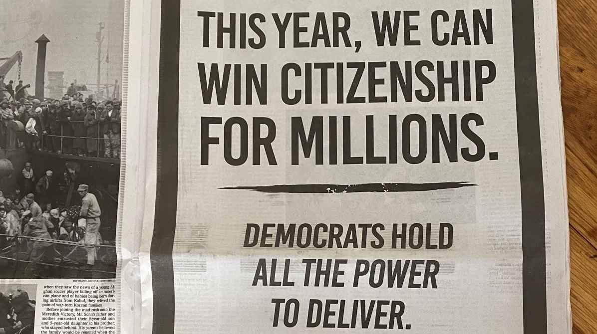 Anuncio en The New York Times para que aprueben ciudadanía de indocumentados