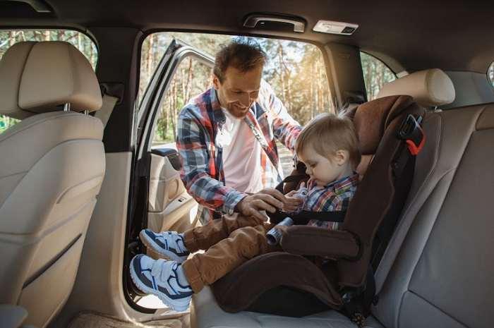 Asiento de seguridad infantil en el automóvil puede salvar la vida de su hijo