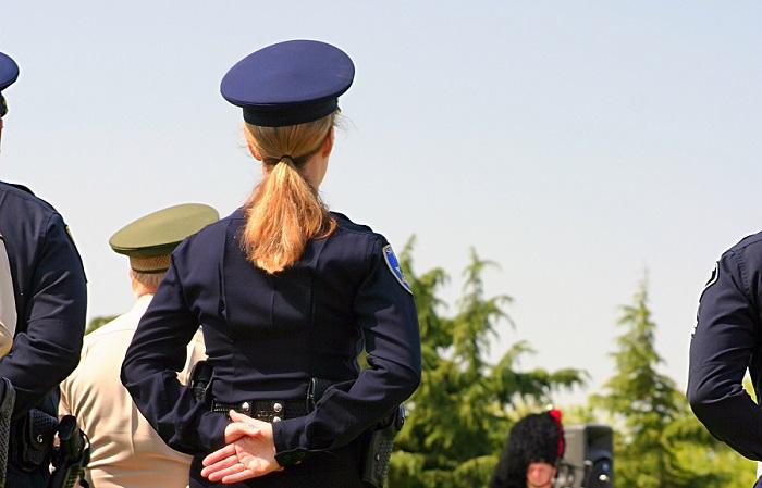 Cómo convertirse en oficial de policía en Charlotte