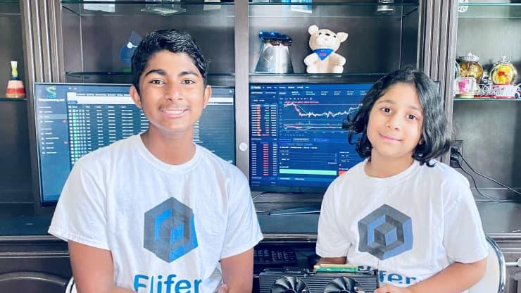 Hermanos ganan miles de dólares al mes con minería de criptomonedas