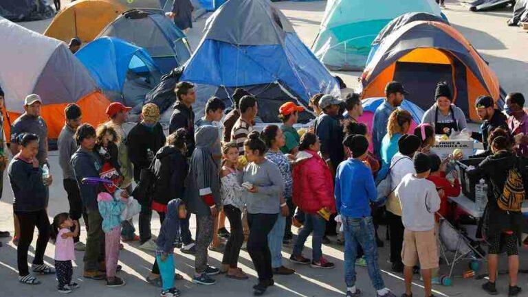 Juez Federal bloqueó aplicación de política que expulsa inmigrantes