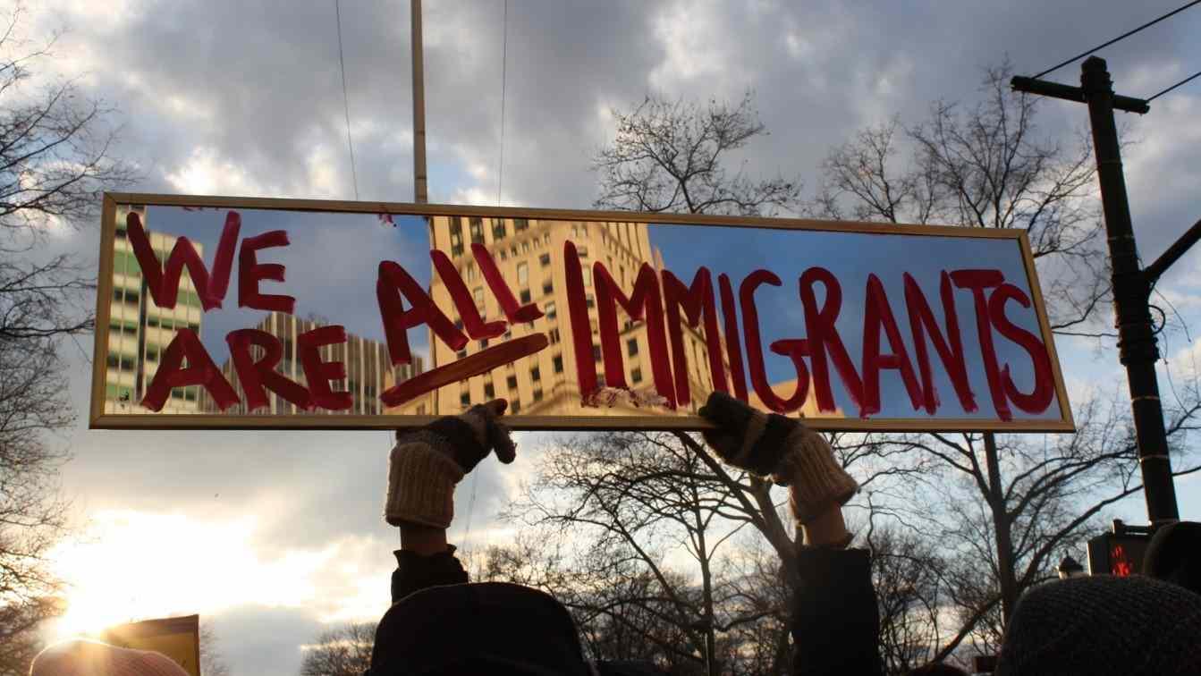 Lanzan campaña que busca naturalizar a dos millones de inmigrantes