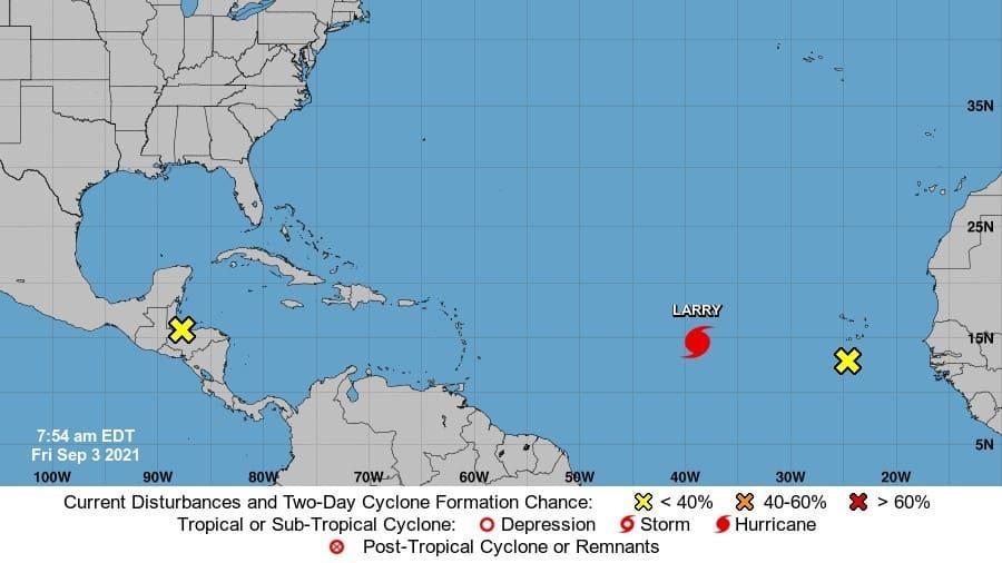 Larry podría convertirse en huracán de categoría mayor