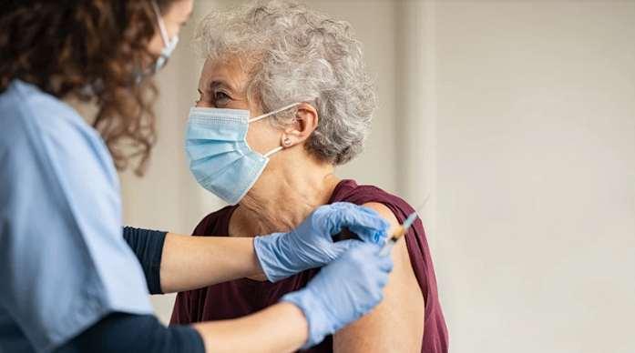 Mecklenburg comienza a aplicar tercera dosis de vacuna