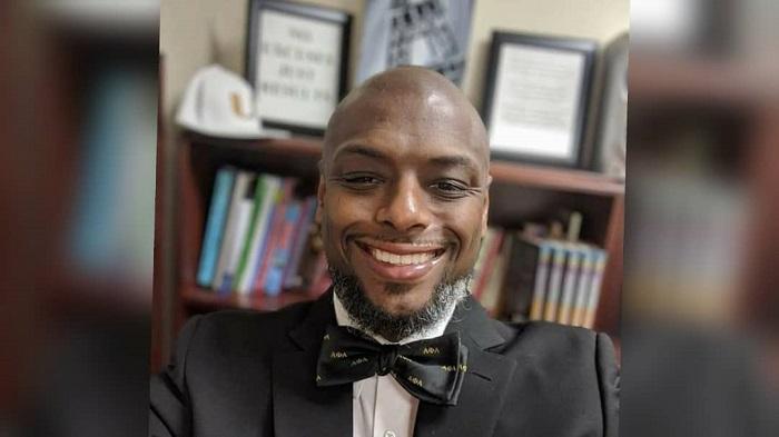 Murió director de Harding University High School