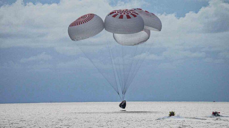 Primera misión de civiles regresa de órbita