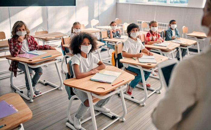 Reportados más de 700 casos de COVID-19 en escuelas de Wake