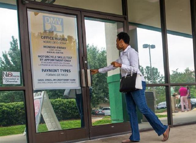 Suspendidos servicios sabatinos en oficinas de licencias de conducir