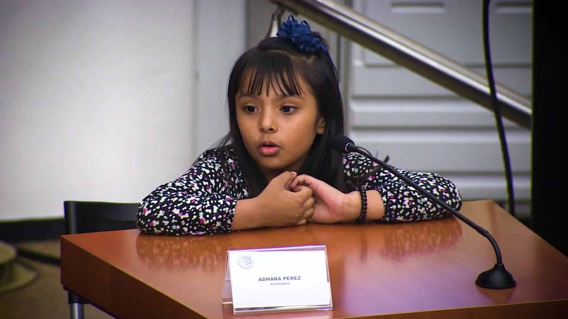Adhara Pérez, la niña prodigio mexicana de 9 años