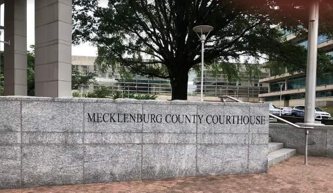 Arrestado hombre por asalto sexual en corte de Mecklenburg