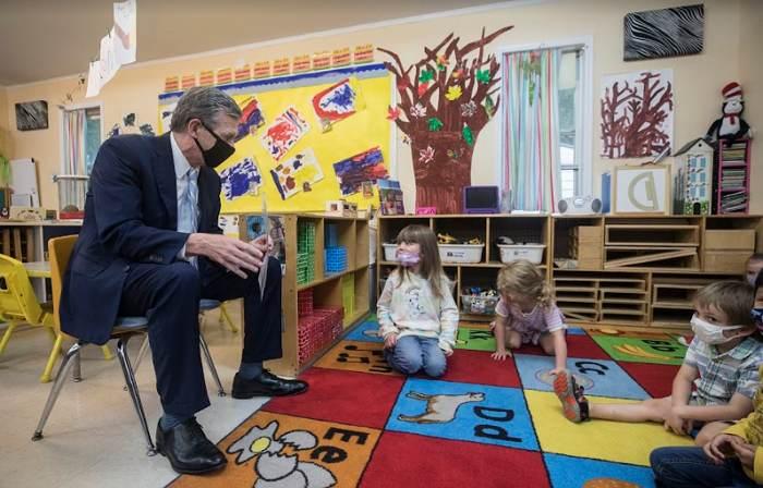 Proveedores de cuidado infantil pueden aplicar para subvenciones